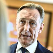 """Jacke uppmanar regeringen att öka tempot: """"Företag kommer inte att orka"""""""