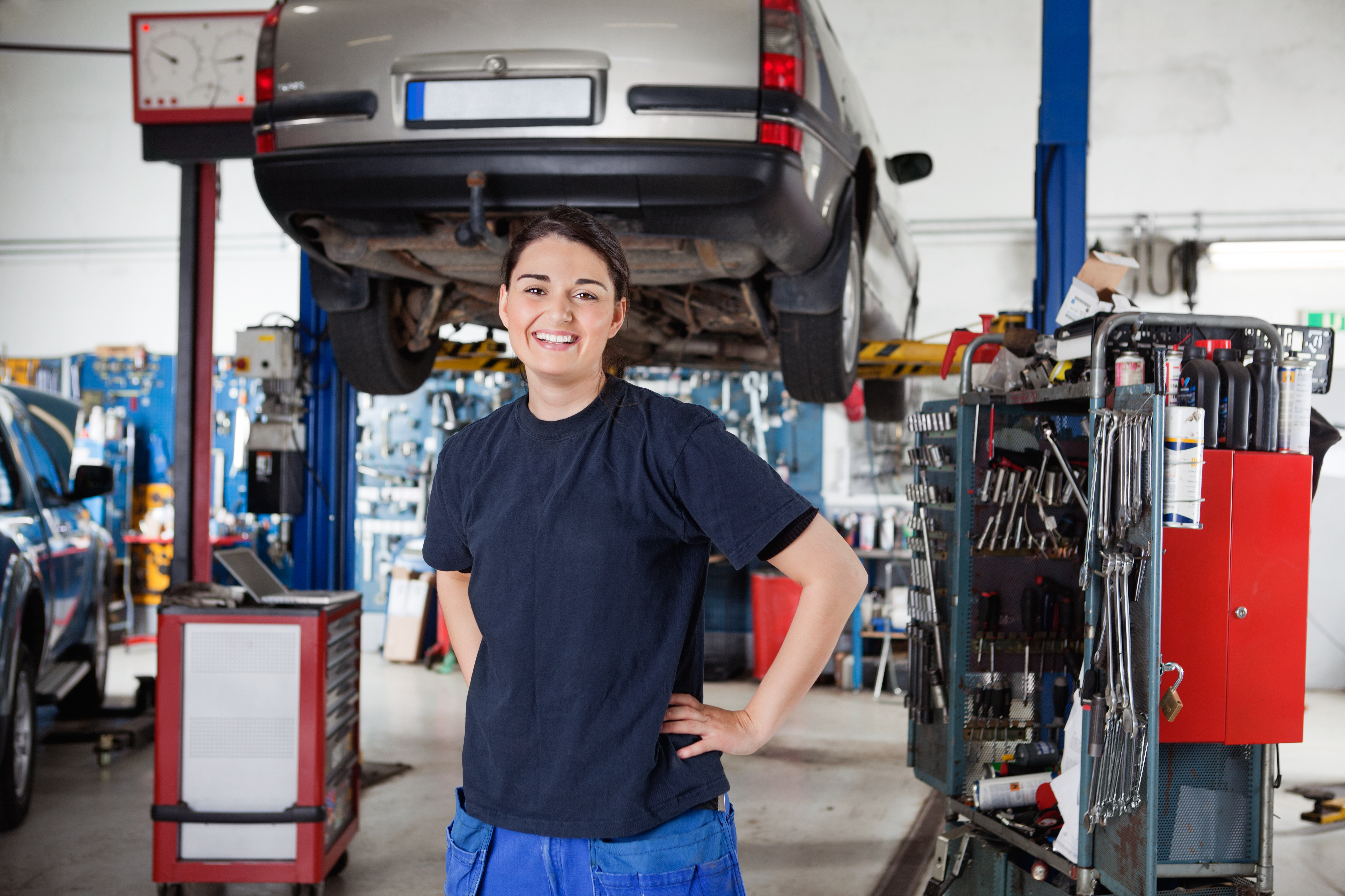 1930239-female-mechanic-portrait