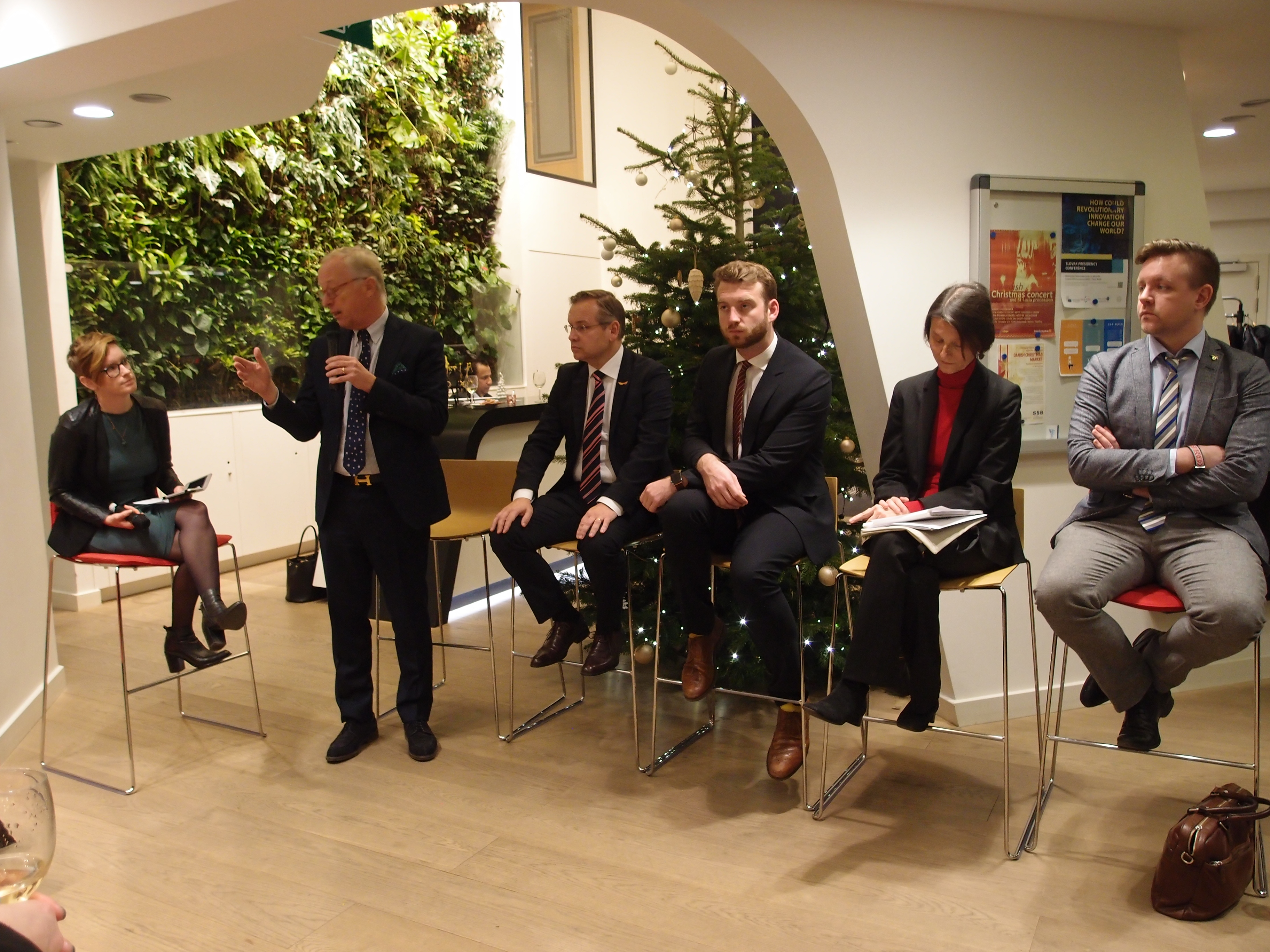 Participants for the discussion included the Swedish MEPs; Gunnar Hökmark (EPP), Fredrick Federley (ALDE), Jakop Dalunde (The Greens), Thérèse de Liedekerke, Deputy Director General at Business Europe and Jens Hedström from the Confederation of Swedish Enterprise.