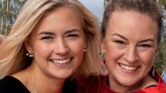 Julia Forsberg och Frida Wimelius, Ung Företagsamhet.
