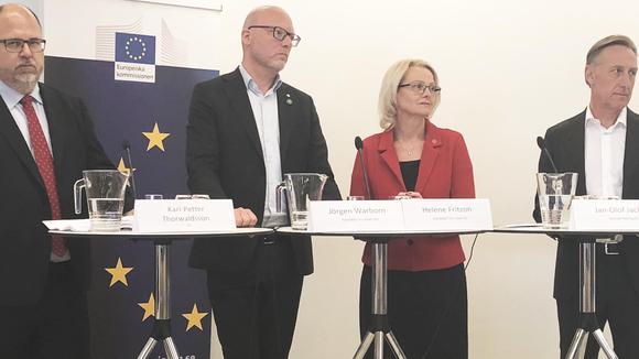 Karl-Petter Thorwladsson, ordförande i LO, Jörgen Warborn (M) kandidat i EU-valet, Heléne Fritzon (S) kandidat i EU-valet och Jan-Olof Jacke, vd för Svenskt Näringsliv debatterade EU:s konkurrenskraft på Europadagen den 9 maj.