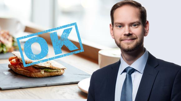 Smörgås med ok-stämpel samt porträtt av Daniel Andersson