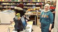 Ramia och Sahle i sin grönsakshandel
