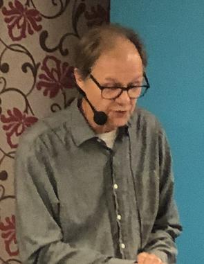 Lars Ströman, politisk redaktör på NA, modererade debatten