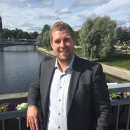 """""""Att återstarta Sverige börjar med våra ungdomar"""""""
