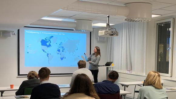 Mötestillfälle med Ingrid Berglund, expert på handelspolitik.